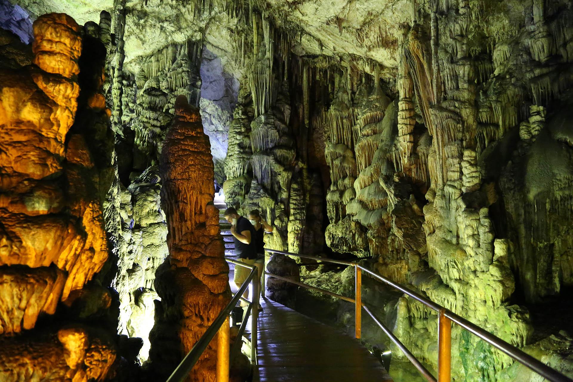 제우스 동굴